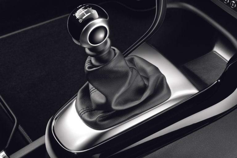 Gear lever knob for 5-speed manual gearbox