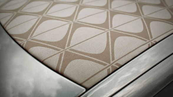 DS3_Cabrio_Roof_Open_737x852
