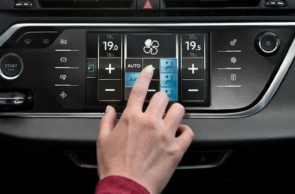 600x395_citroen-c4-picasso-tablette-tactile