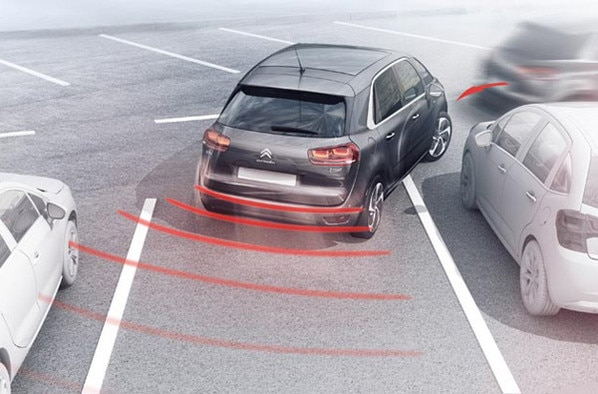 600x395_citroen-c4-picasso-park-assist