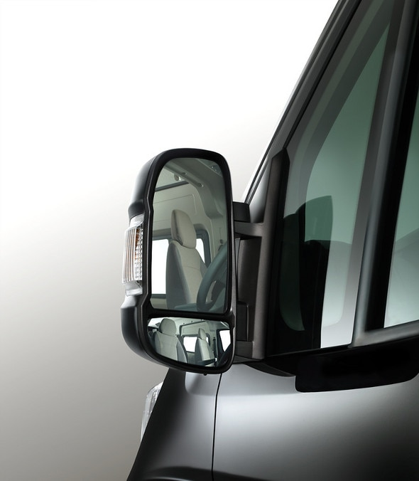 737x845-Citroen-Relay-Mirror