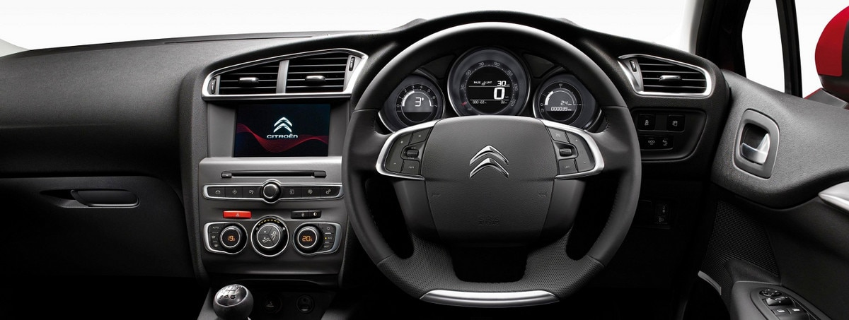 C4 New Range Steering Wheel 1440x544