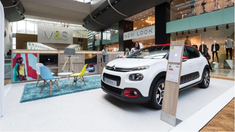 757x426 Citroen Westfield pop up stand
