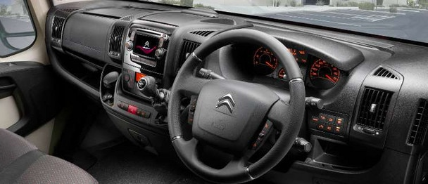 Citroen-Relay-interior